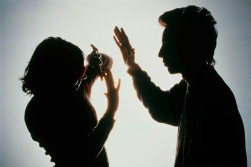 الاعتداء على الزوجة
